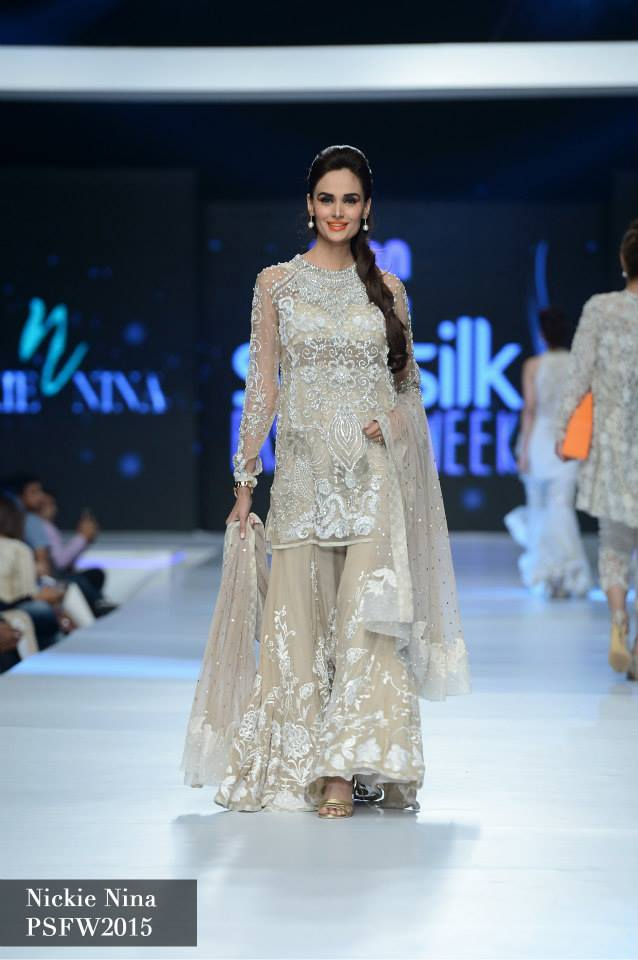 Nickie Naina Collection at sunsilk fashion week 2015-2016 (3)