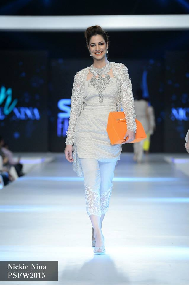 Nickie Naina Collection at sunsilk fashion week 2015-2016 (4)