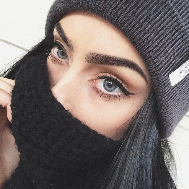 Perfect eyeliner styles & (10)