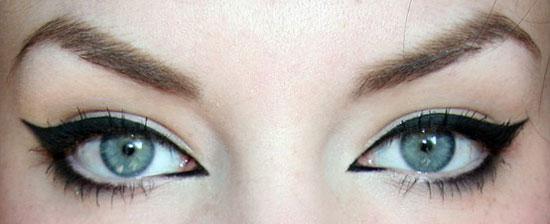 Top 7 Best Eyeliner Styles & Shapes To Make Eyes Bigger