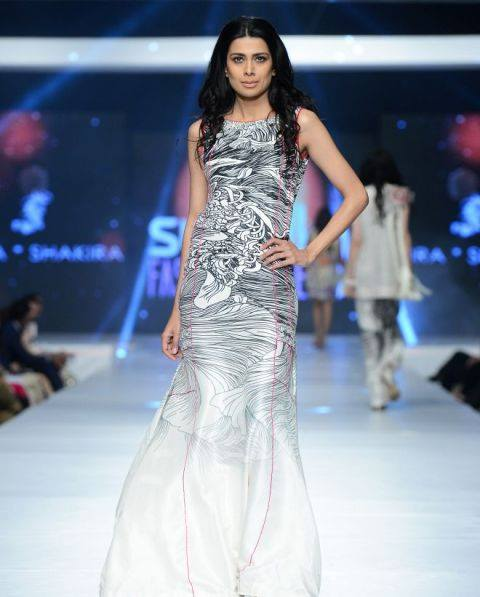 Saira Shakira Collection at sunsilk fashion week 2015-2016 (3)