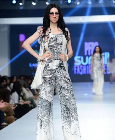 Saira Shakira Collection at sunsilk fashion week 2015-2016 (4)