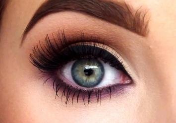 how to draw eyeliner to make eyes bigger