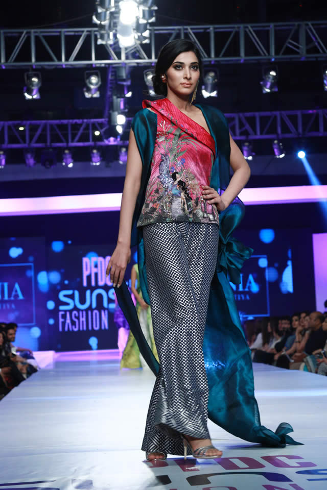 sania maskatiya paristan collection at sunslik fashion week 2015 (7)