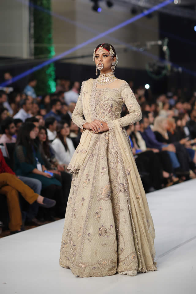 Fahad Hussayn Bridal wedding collect at PFDC LOreal Paris week 2015-2016 (2)