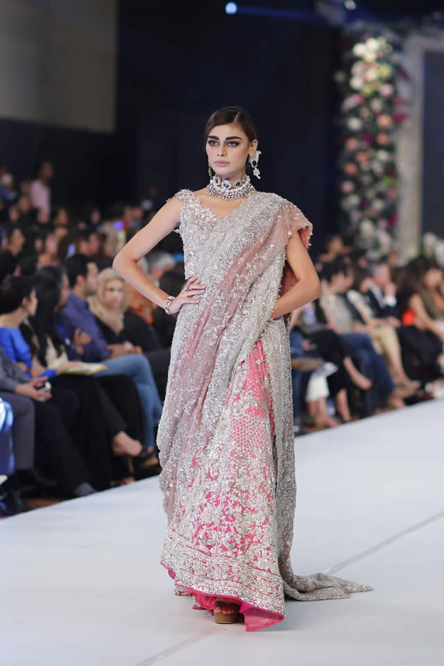 Famous Designer Sana Safinaz collection at PFDC L'Oréal Paris Bridal Week 2015 (1)