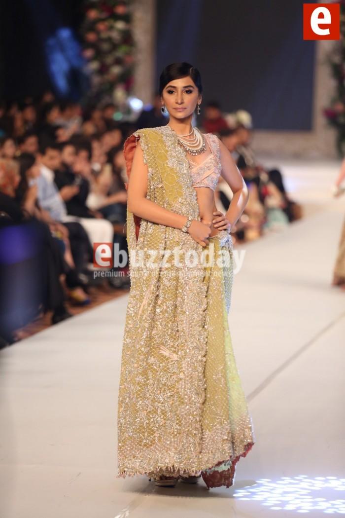 Famous Designer Sana Safinaz collection at PFDC L'Oréal Paris Bridal Week 2015 (2)
