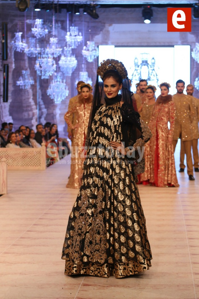 HSY Wedding Collection at PFDC L'Oréal Paris Bridal Week 2015-2016 (1)