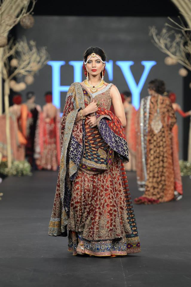 HSY Wedding Collection at PFDC L'Oréal Paris Bridal Week 2015-2016 (4)