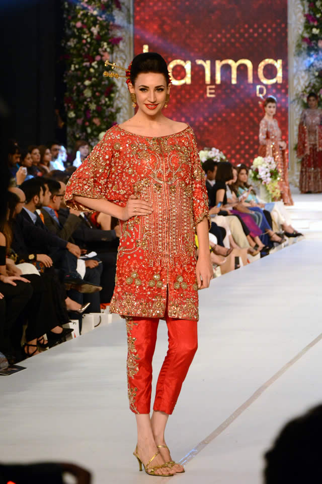 Karma Red Collection at PFDC L'Oréal Paris Bridal Week 2015 (4)