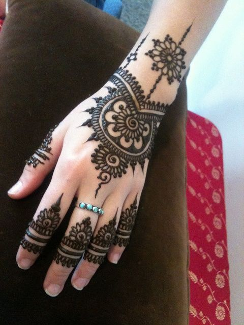 Latest Simple Eid Mehndi Designs Collection 2015-2016 (24)