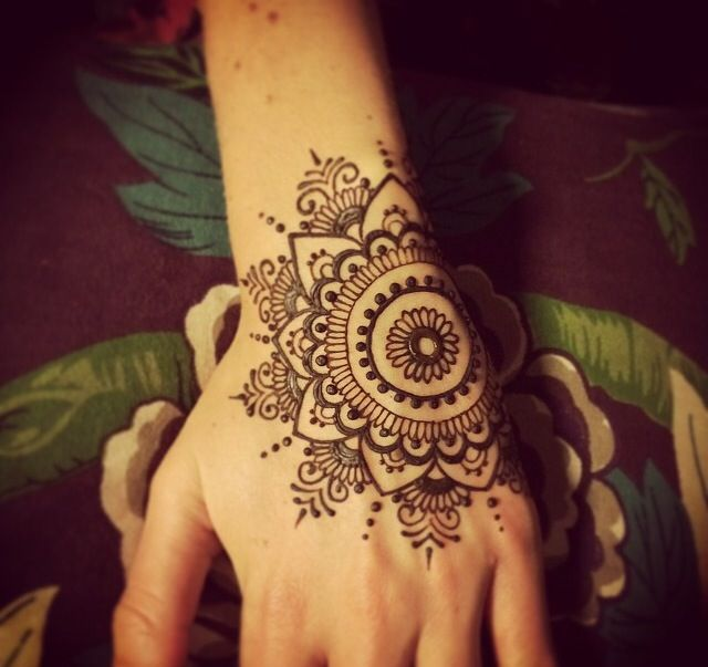 Latest Simple Eid Mehndi Designs Collection 2015-2016 (3)