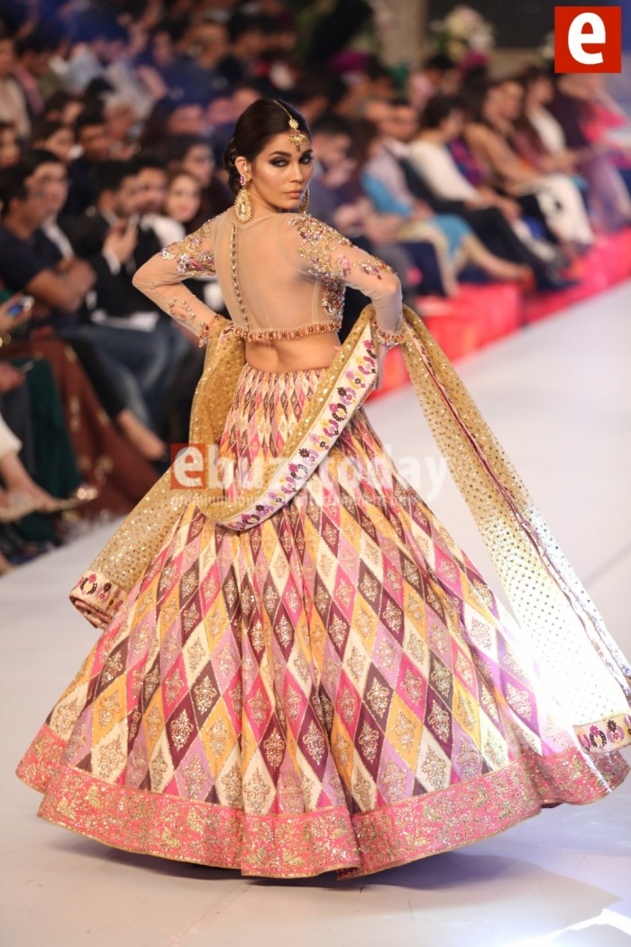 Nomi Ansari Bridal Collection at PFDC L'Oréal Paris Bridal Week (4)