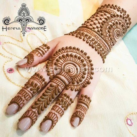Mehndi Photography Facebook : Peacock round tikki mehndi designs latest collection