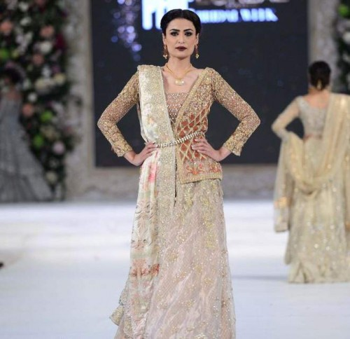 Sana Yasir collection at PFDC L'Oréal Paris Bridal Week 2015-2016 (1)