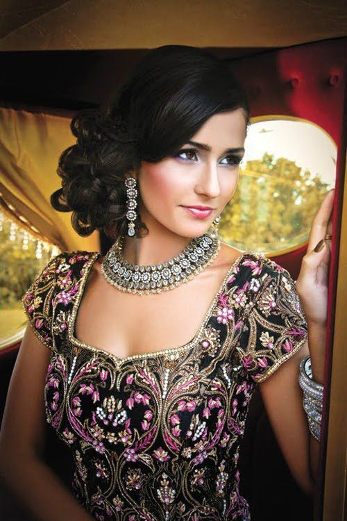 Hairstyles 2017 India : Latest Indian Bridal Wedding Hairstyles Collection 2015-2016 (9)