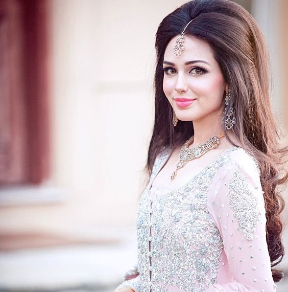 Wedding Hairstyle Pakistani: Latest Pakistani Bridal Wedding Hairstyles Trends 2020