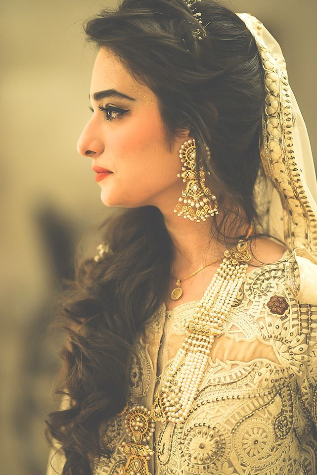 Hairstyles For Long Hair Pakistani Pictures : Latest Pakistani Bridal Wedding Hairstyles 2016-2017