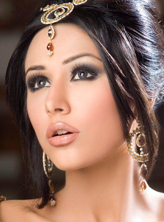 Latest Pakistani Bridal Wedding Hairstyles Trends 2020