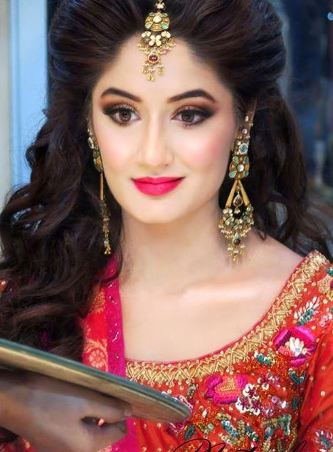 Bridal Makeup Hairstyle Images : Latest Pakistani Bridal Wedding Hairstyles 2016-2017