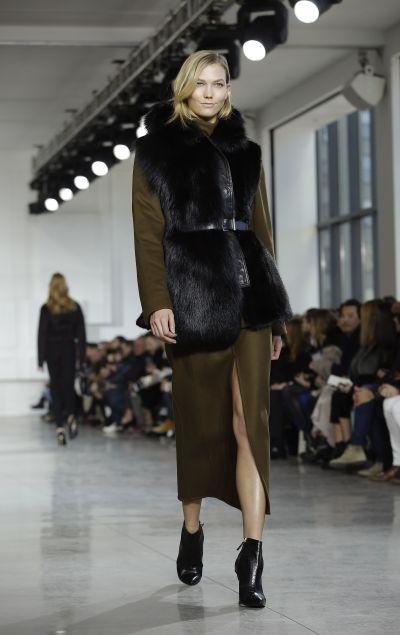 fall-fashion-trends-7-sleeveless