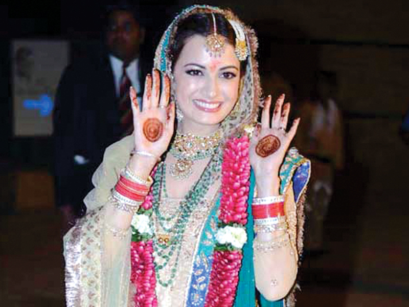 Dia Mirza- Top 10 Famous Indian Celebrity Wedding Dresses Trends (4)