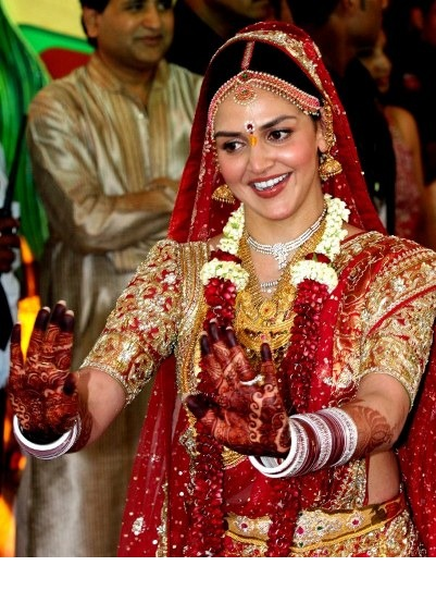 Esha Deol- Top 10 Famous Indian Celebrity Wedding Dresses Trends (2)