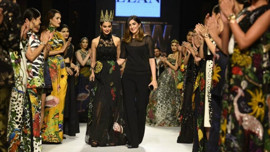 Fashion Week Pakistan 2015-2016 FWP'15 Designer Collections Day1, Day2, Day 3 (13)