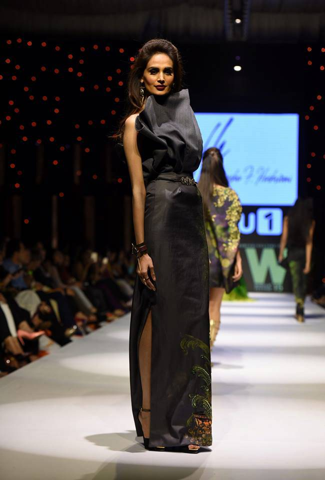 Fashion Week Pakistan 2015-2016 FWP'15 Designer Collections Day1, Day2, Day 3 (29)