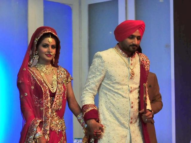 Geeta Basra- Top 10 Famous Indian Celebrity Wedding Dresses Trends (4)