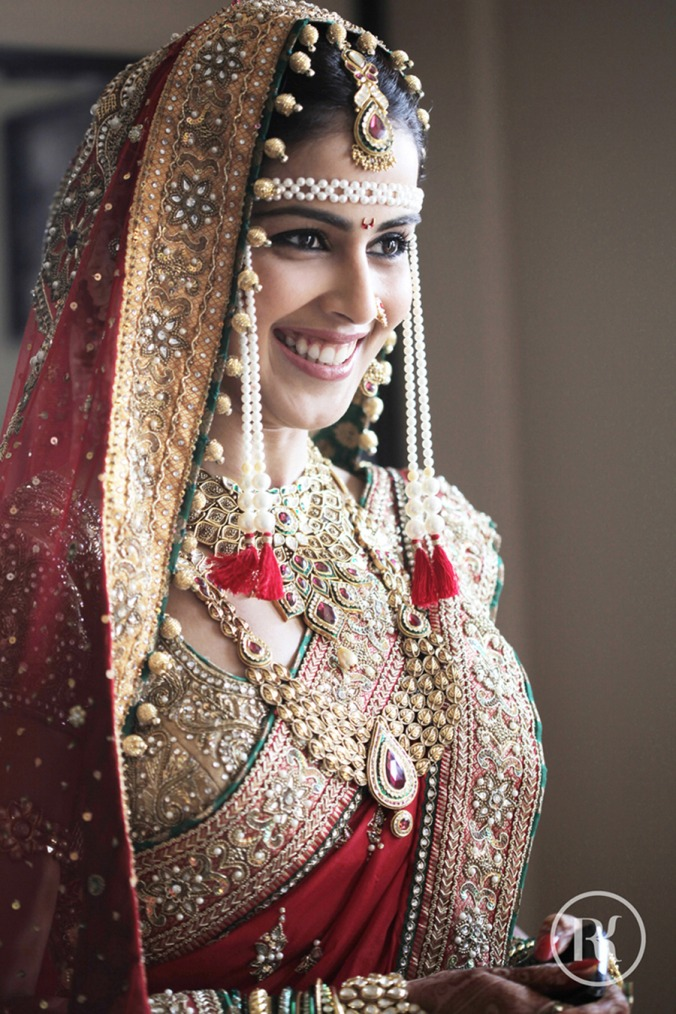 Genelia Deshmukh- Top 10 Famous Indian Celebrity Wedding Dresses Trends (1)