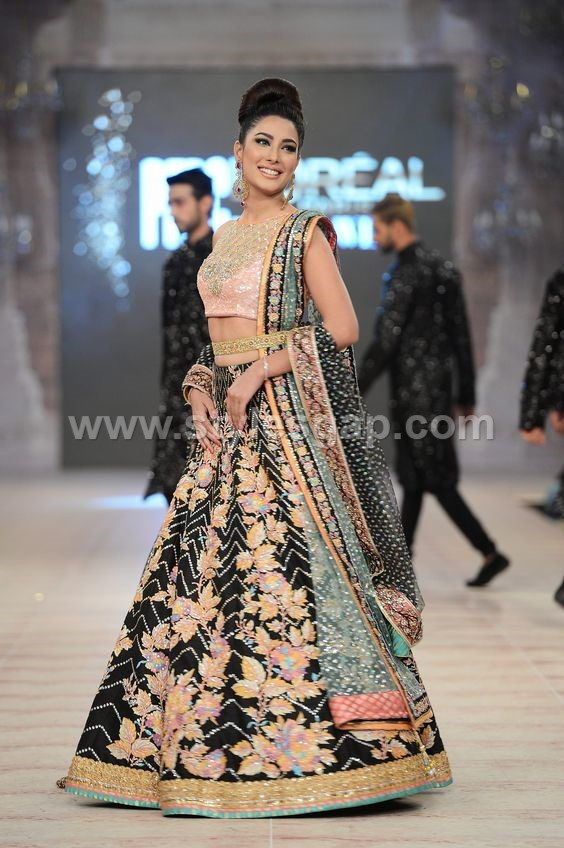 f2242f0707b Latest Lehenga Choli Trends Designs 2018-19 Pakistani   Indian Fashion