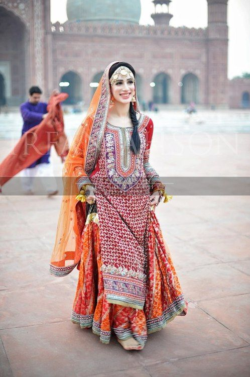 Latest Pakistani Wedding Lehenga Dresses Collection 2016-2017 (3)