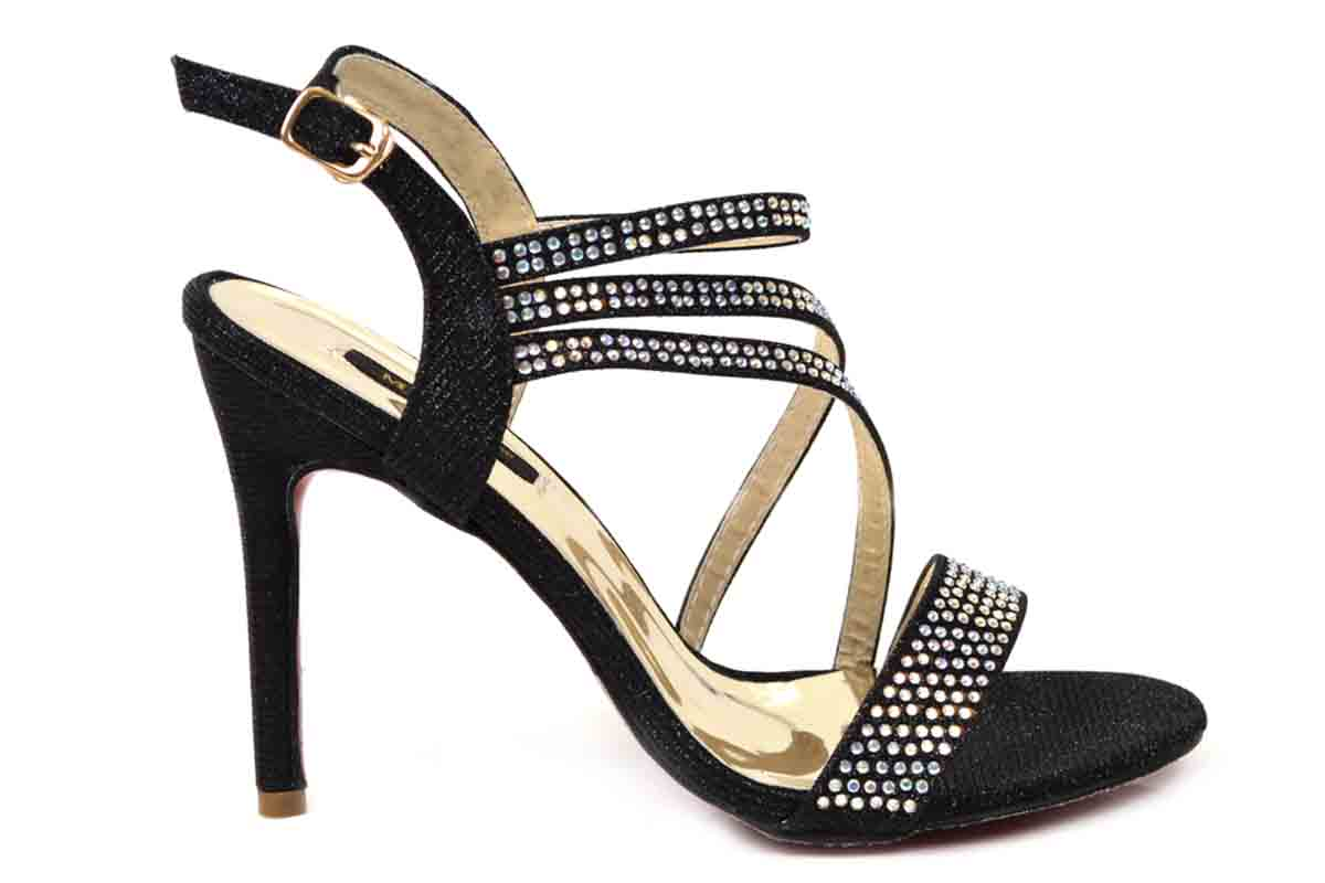 Metro Shoes Stylish Winter Footwear Designs Collection