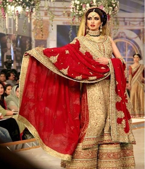Pakistani Bridal Lehengas: Pakistani Bridal Lehenga Dresses Designs Styles 2018-2019