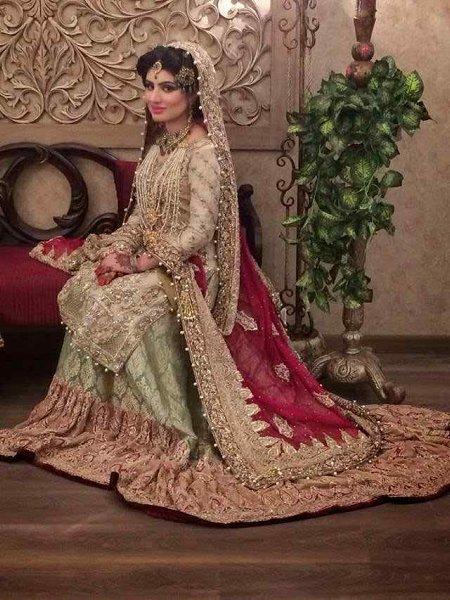 Pakistani Bridal Lehenga Dresses Designs & Styles 2016-2017 Collection (2)