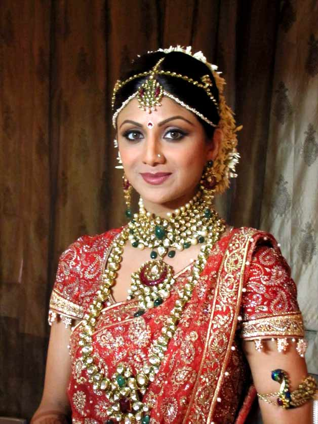 Shilpa Shetty Raj- Top 10 Famous Indian Celebrity Wedding Dresses Trends (3)