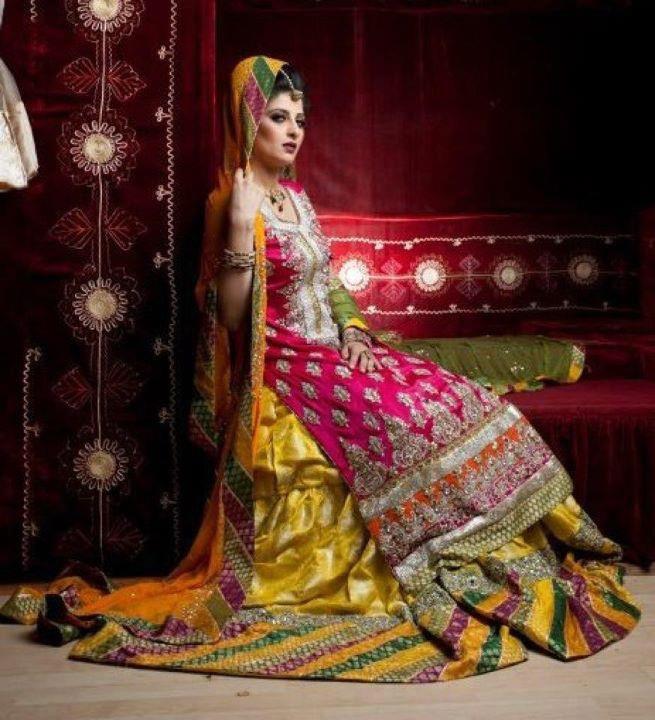 Mehndi Lehenga 2018 : Latest bridal mehndi dresses designs  collection