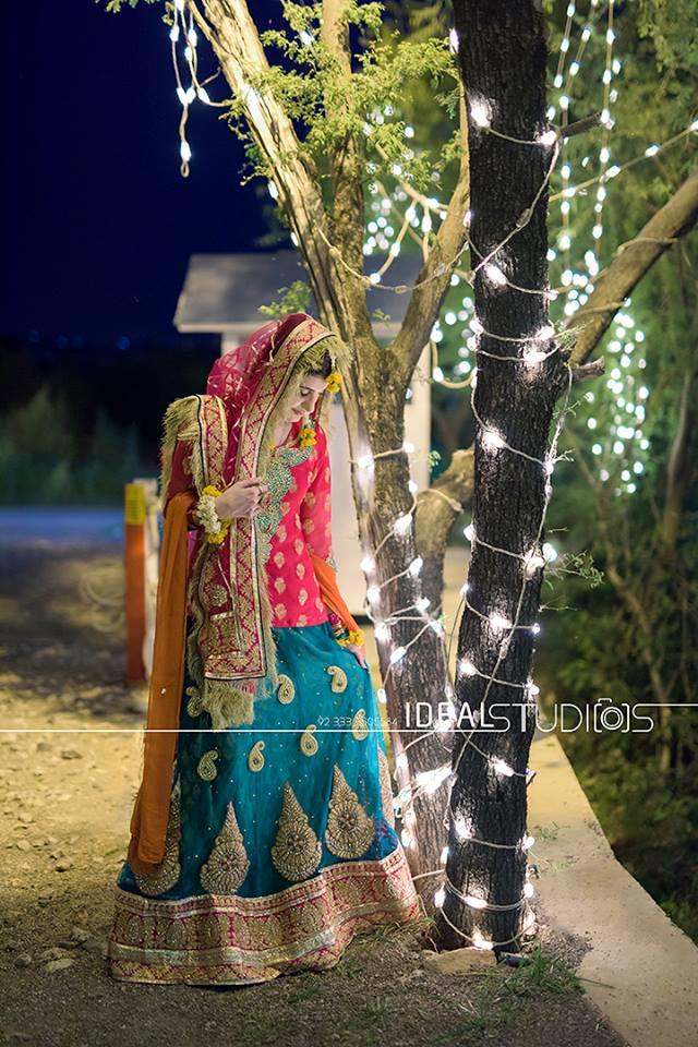 Latest Pakistani Ghagra Choli Dresses Collection 2016-2017 (10)