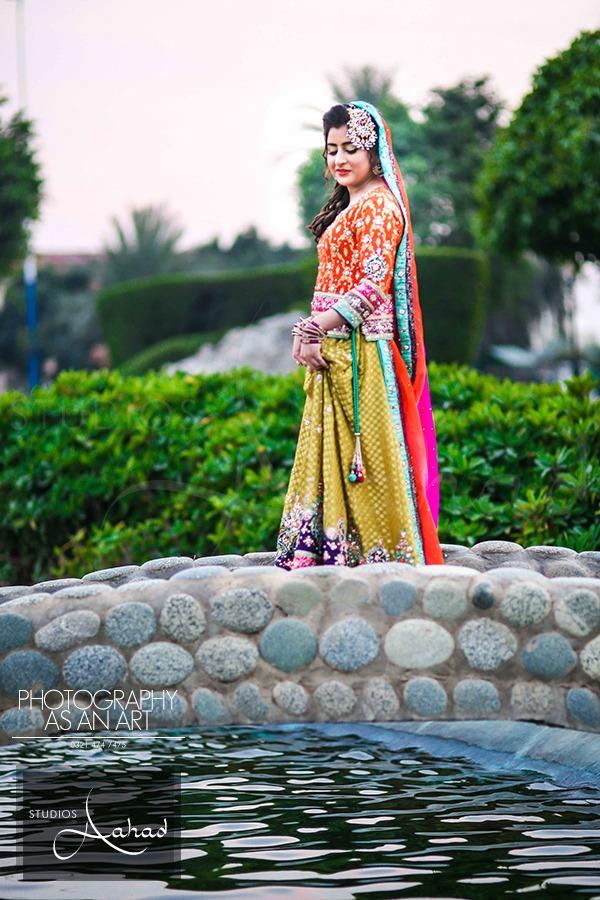 Latest Pakistani Ghagra Choli Dresses Collection 2016-2017 (9)