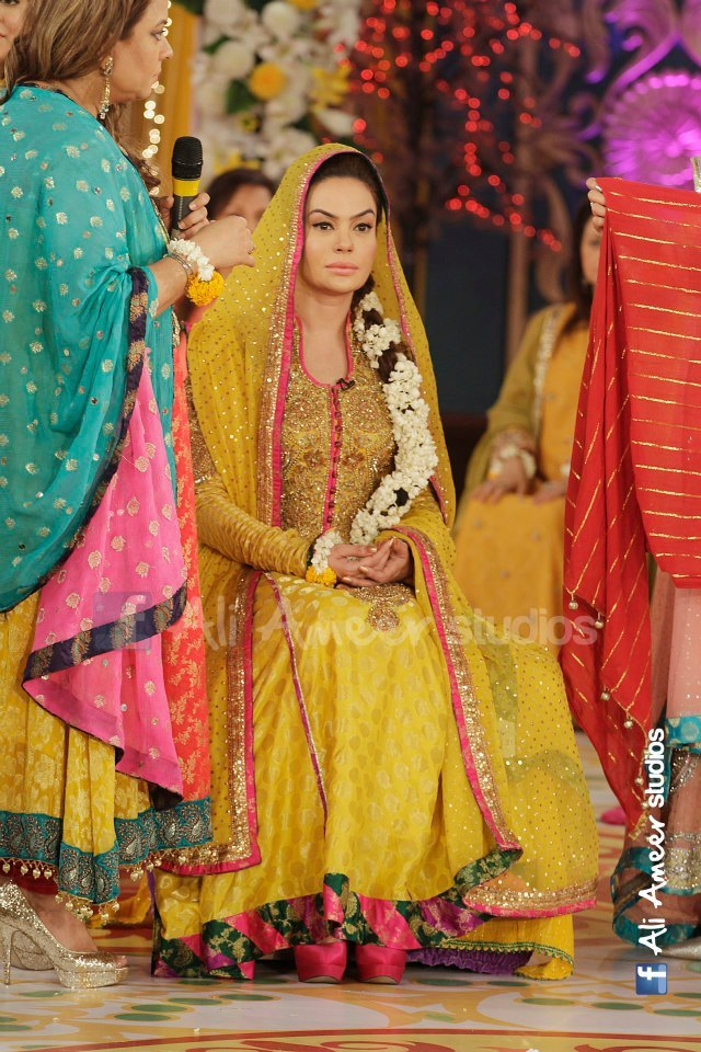 Trends of Mehndi Ghagra Choli Dresses & Frocks Collection 2016-2017 (3)