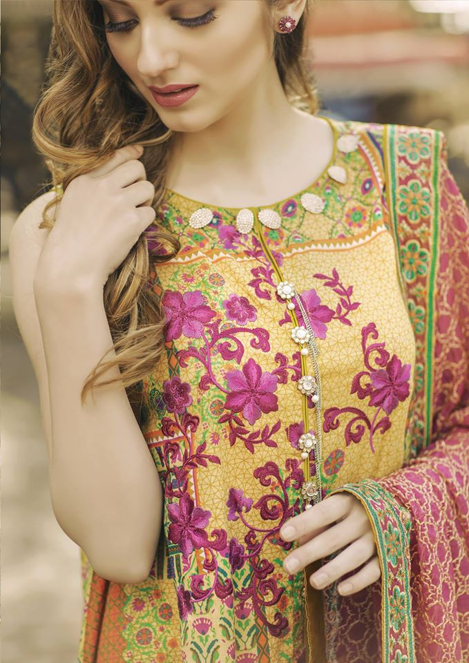 Alkaram 3 piece exclusive Summer Lawn Designs- (8)