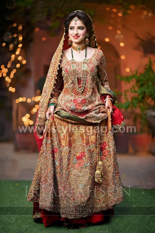 636fbe2cbdee As many of our television stars are seen carrying the wedding gowns on Barat