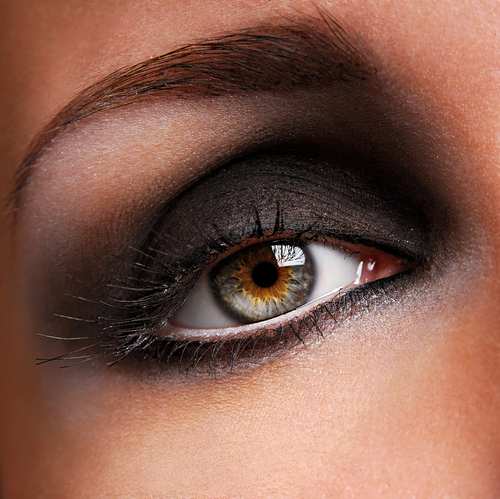 Black Smokey Eyes Makeup Tutorial Step by Step (4)