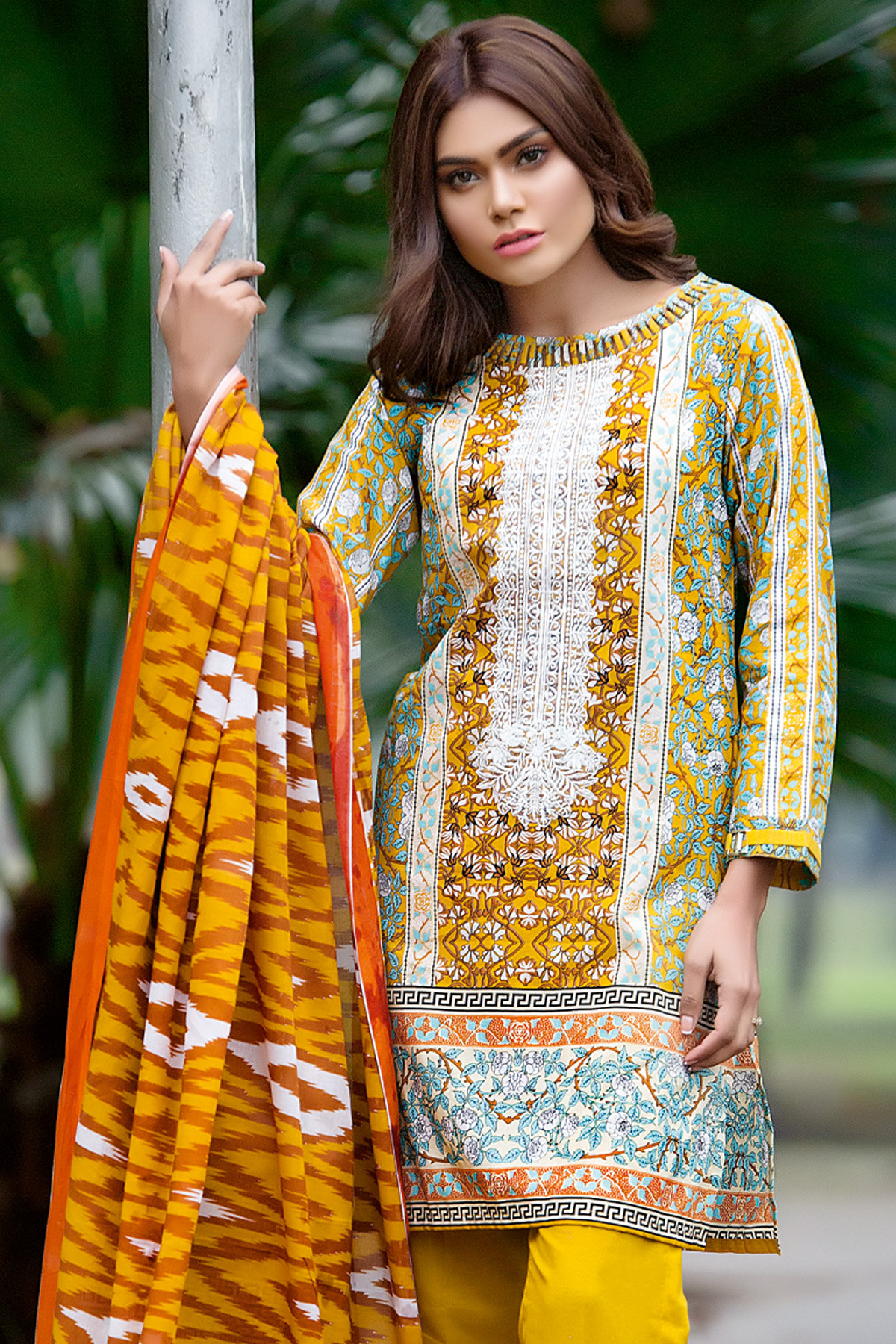 Gul Ahmed Summer Embroidered Lawn Dresses Collection 2017-2018 (14)