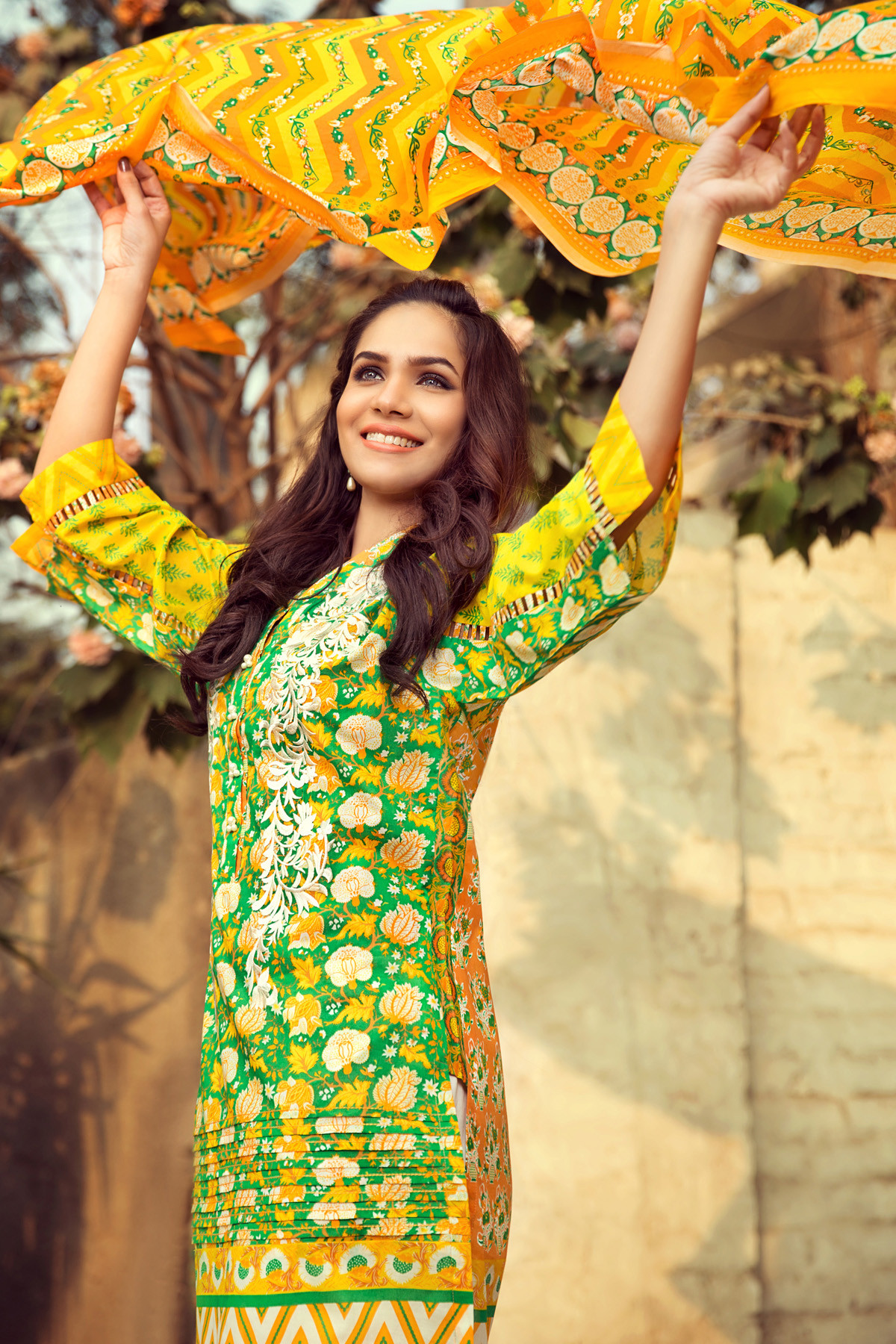 Gul Ahmed Summer Embroidered Lawn Dresses Collection 2017-2018 (6)