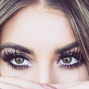 Basic & Easy Tips to Get Long Eyelashes Naturally at Home
