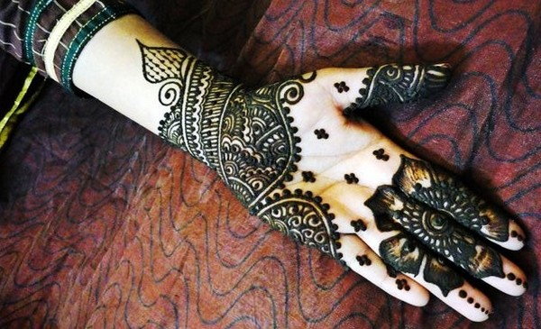 Mehndi Patterns Images : Latest arabic mehndi designs collection  for hands feet