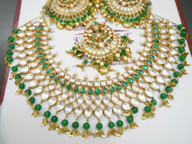 Kundan Jewelery Latest Designs & Trends for Asian Women 2016-2017 (10)