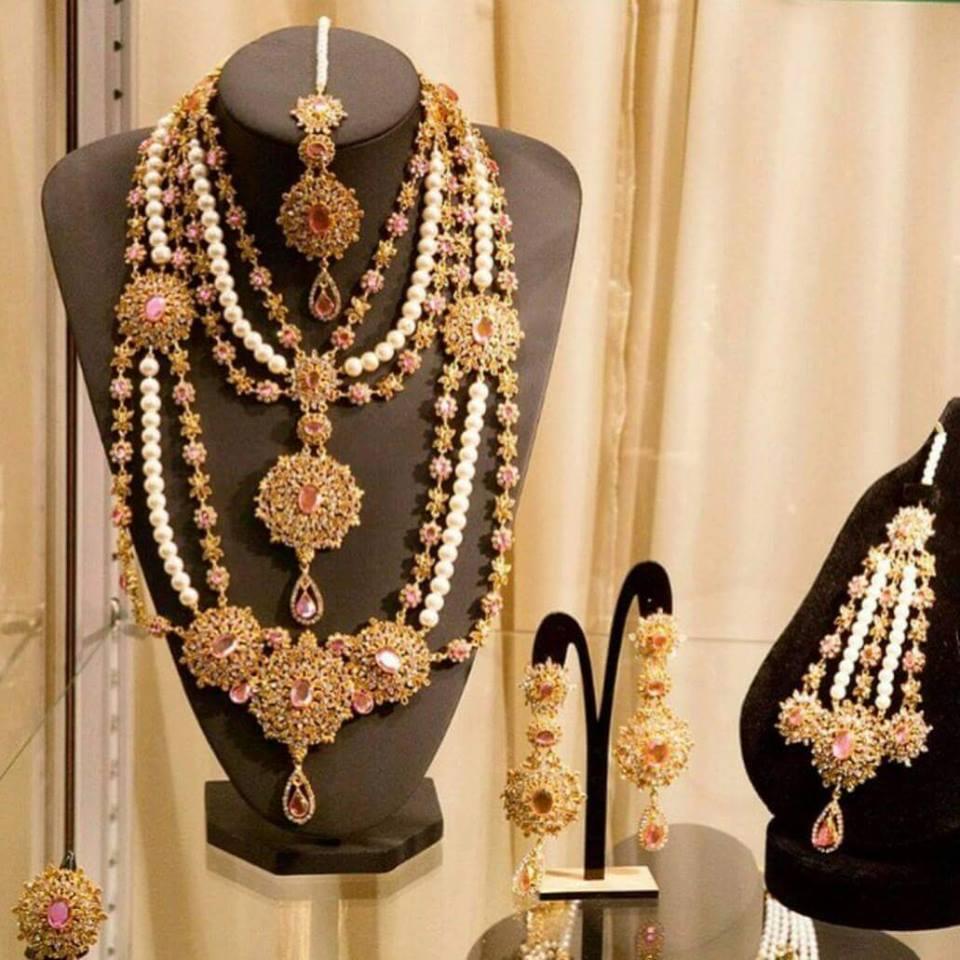 Kundan Jewelery Latest Designs & Trends for Asian Women 2016-2017 (27)
